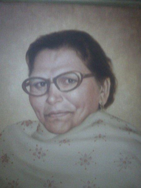 Ester Naziran Sharaf